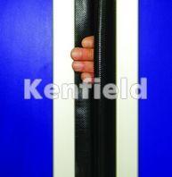 K250 GRP Retail Swing Door: Centre finger protection seal